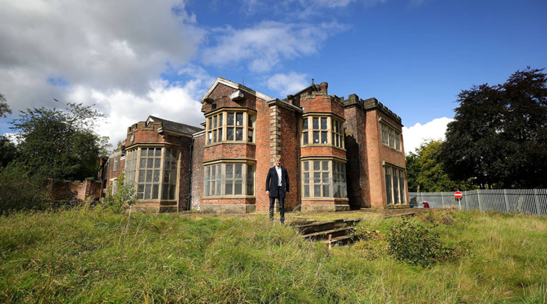 MARKETPLACE: U.S. Actor Has A Leading Role In English House Restoration: Hopwood Hall Rochdale
